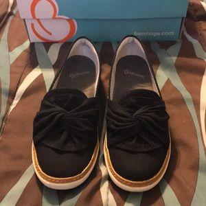 Shoes - Bare traps shoes